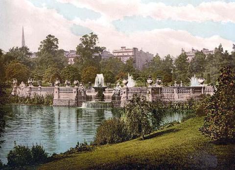 Kensington-fountains
