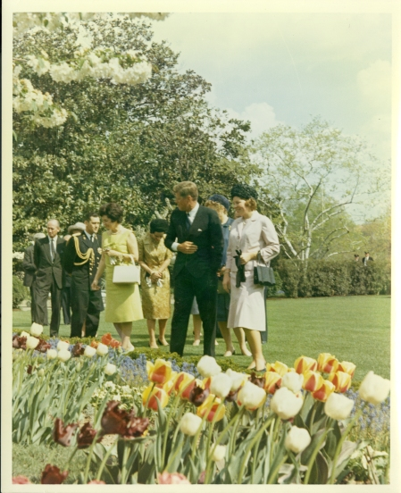 175_1963 April 1 KennedyshowingtheRoseGarden AAG